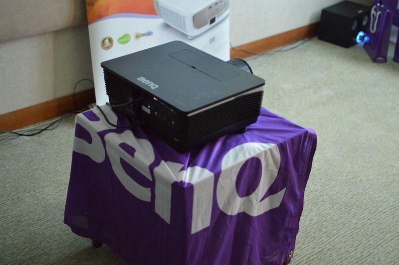 BenQ W8000